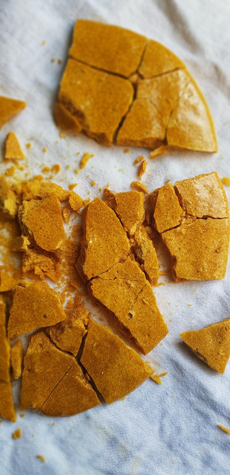 Crunchie bar, honeycomb, simple, delicious, easy, chocolate, maple, sugar, dessert, homemade